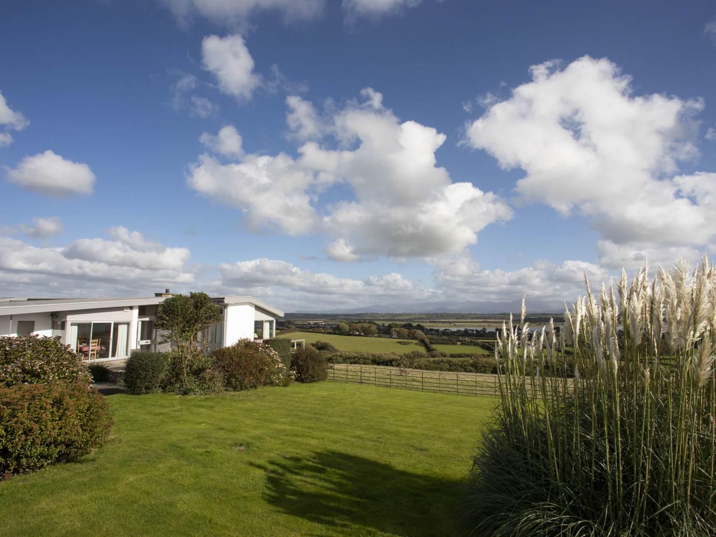 Ael Y Bryn - nr Malltraeth - Anglesey - 1008698 - photo 1
