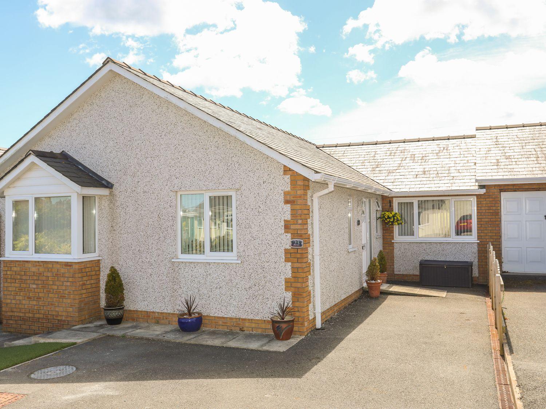 Encillion, 23 Garreglwyd - Anglesey - 1011456 - photo 1