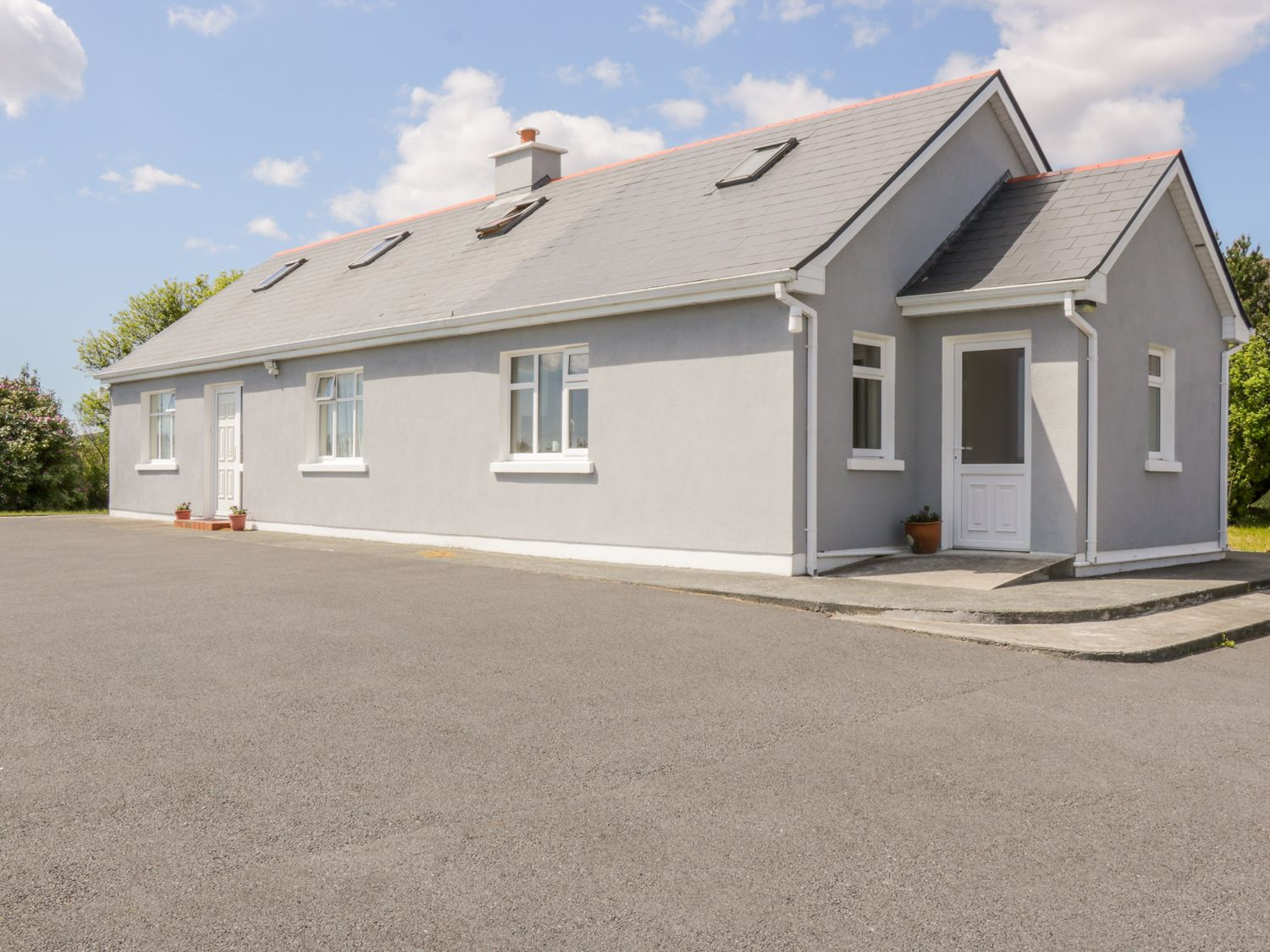 Lake View Cottage - Shancroagh & County Galway - 1011472 - photo 1
