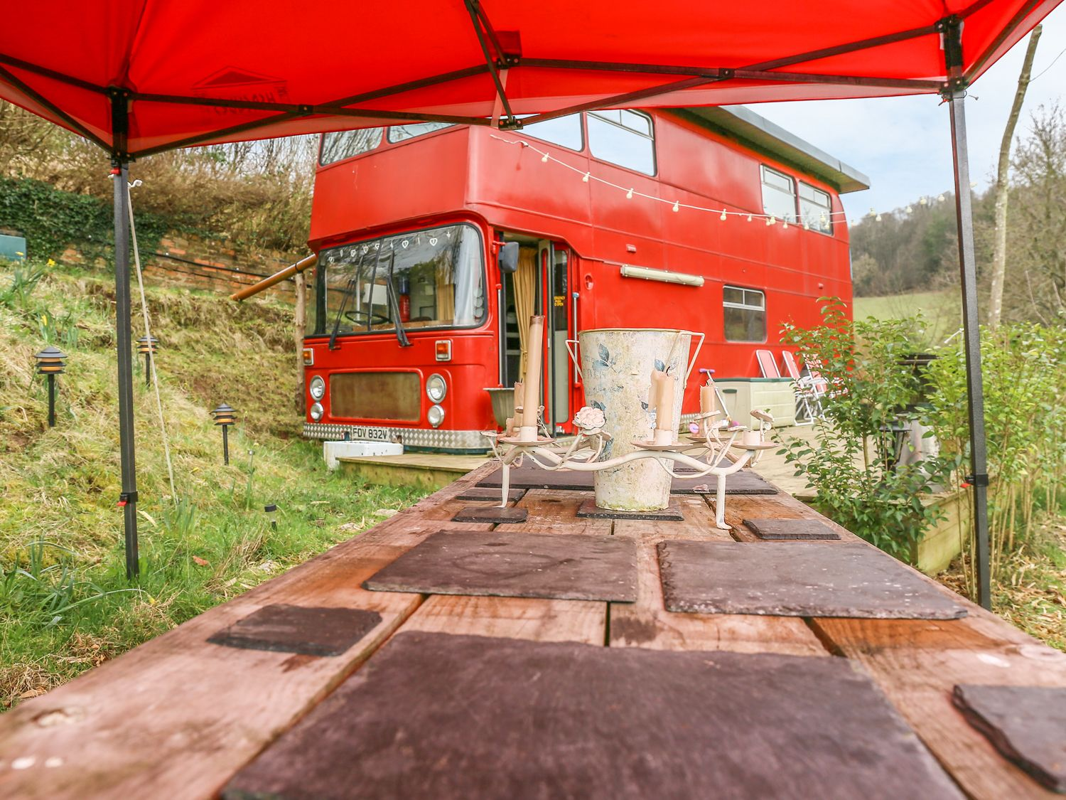 The Red Bus - Winter retreat - Cotswolds - 1013157 - photo 1