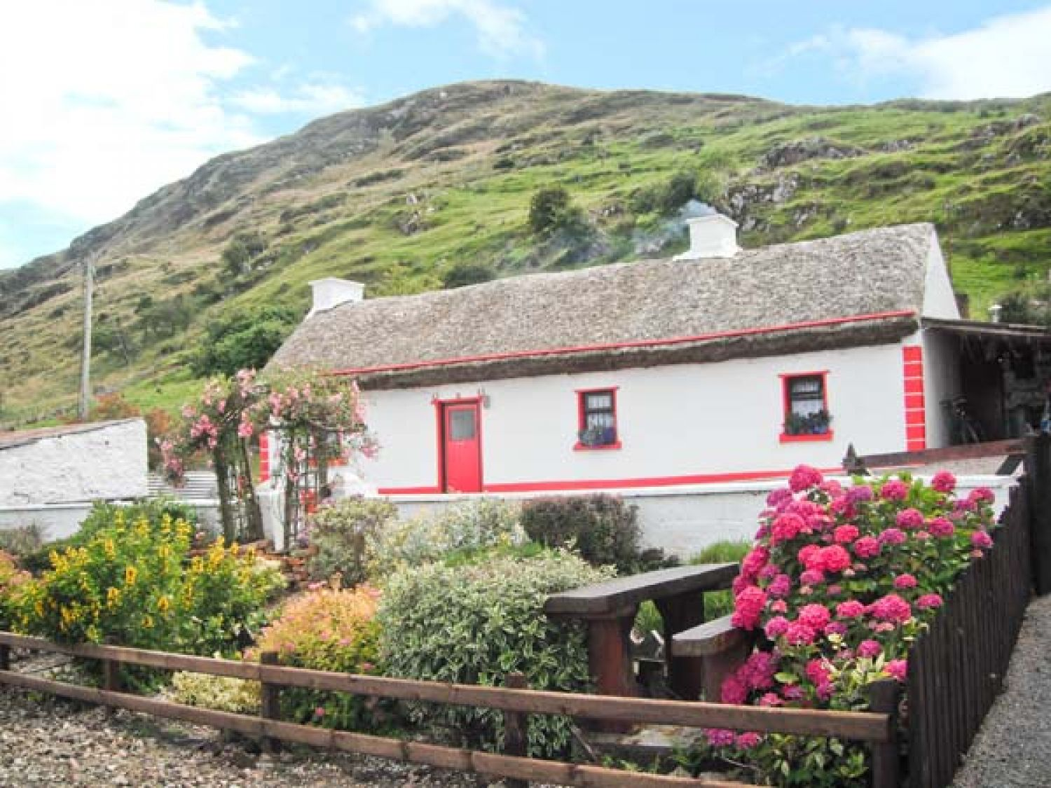 Cronkeerin Thatched Cottage - County Donegal - 22250 - photo 1
