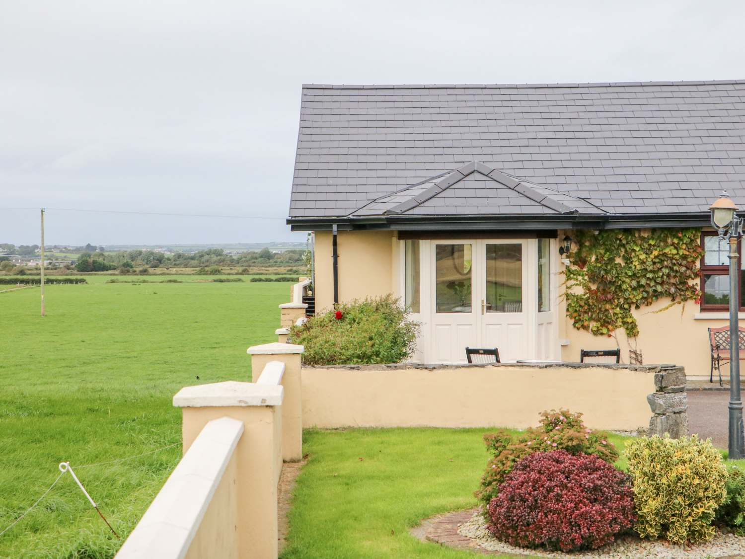 Aras Ui Dhuill - County Kerry - 2273 - photo 1