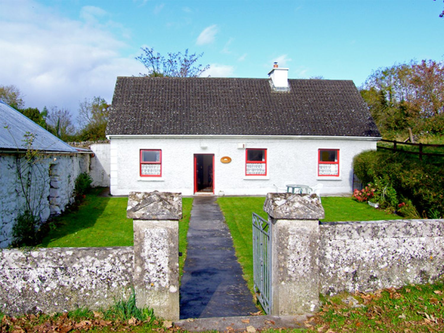 Mickey's Cottage - Shancroagh & County Galway - 3690 - photo 1