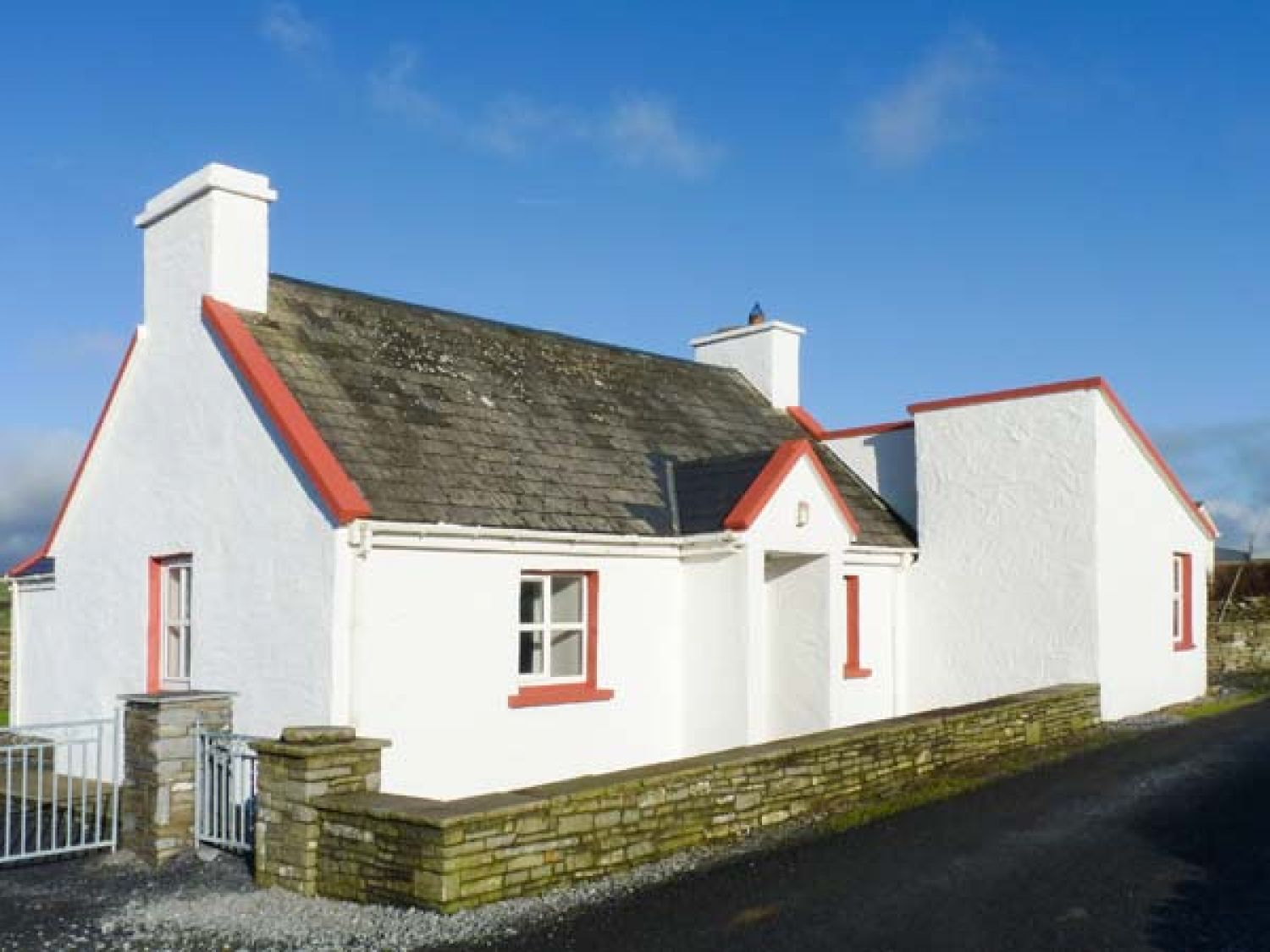 Pakes Cottage - County Clare - 931234 - photo 1