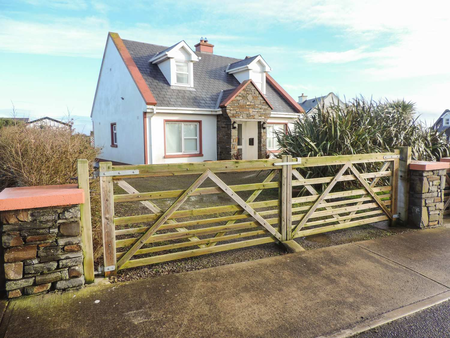 7 Rinevella View - County Clare - 937587 - photo 1
