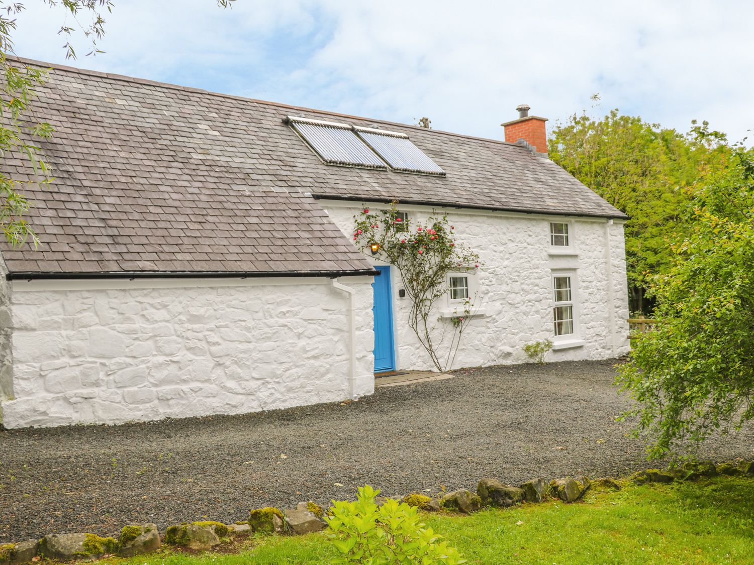 Rosslare Cottage - Antrim - 942457 - photo 1