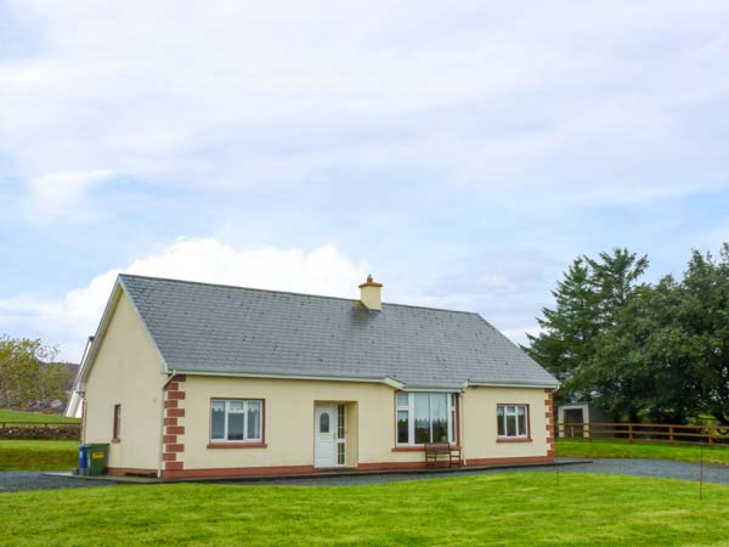 Caherminane Cottage - County Clare - 944342 - photo 1