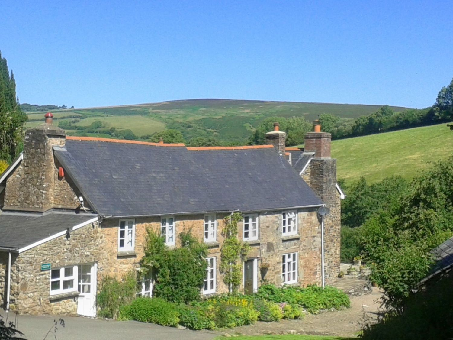 Lower Cowley Farmhouse photo 1