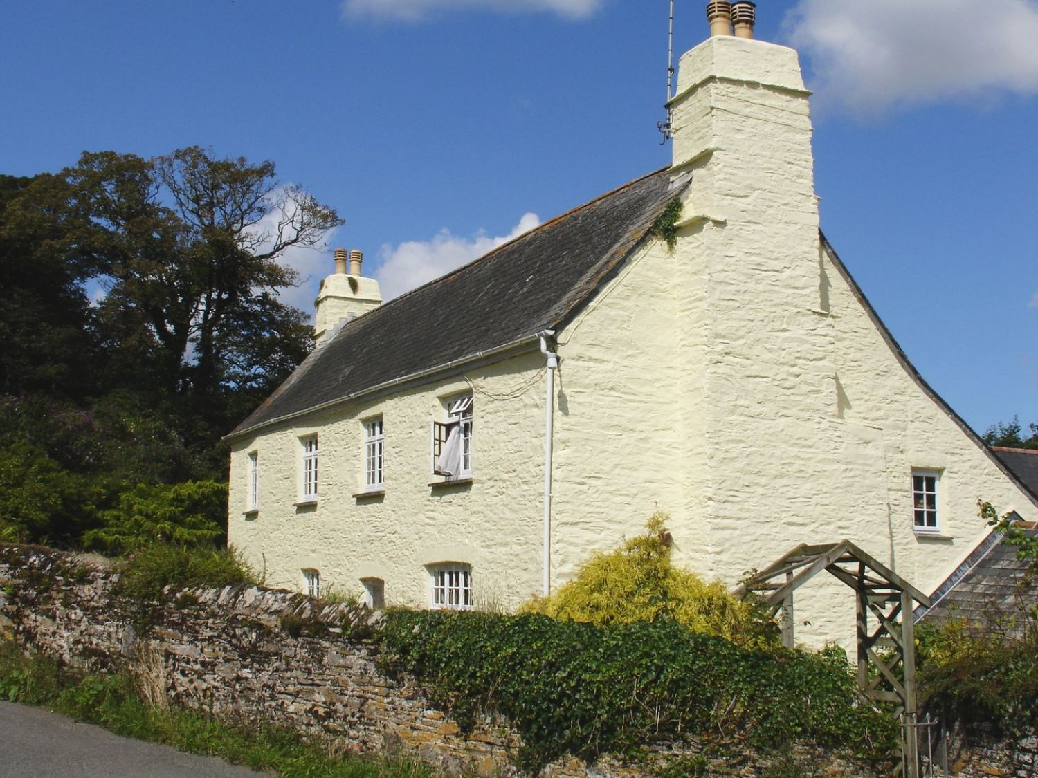 Tregonhawke Farmhouse photo 1