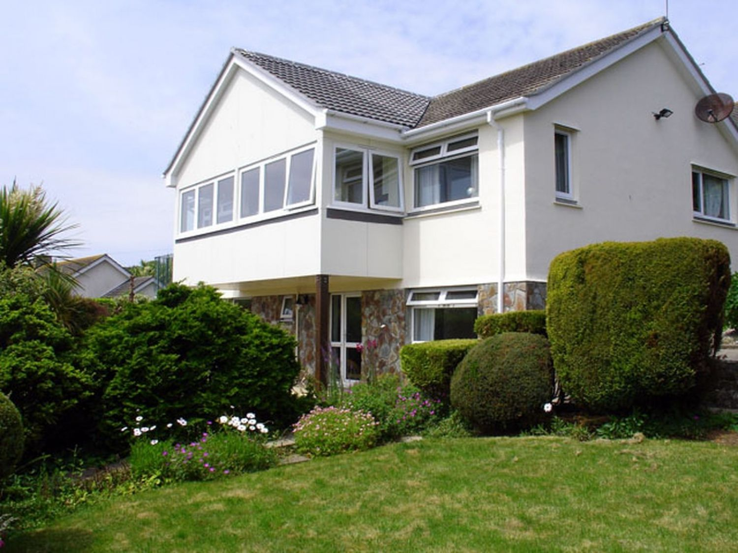1 Gwelenys Road - Cornwall - 976555 - photo 1