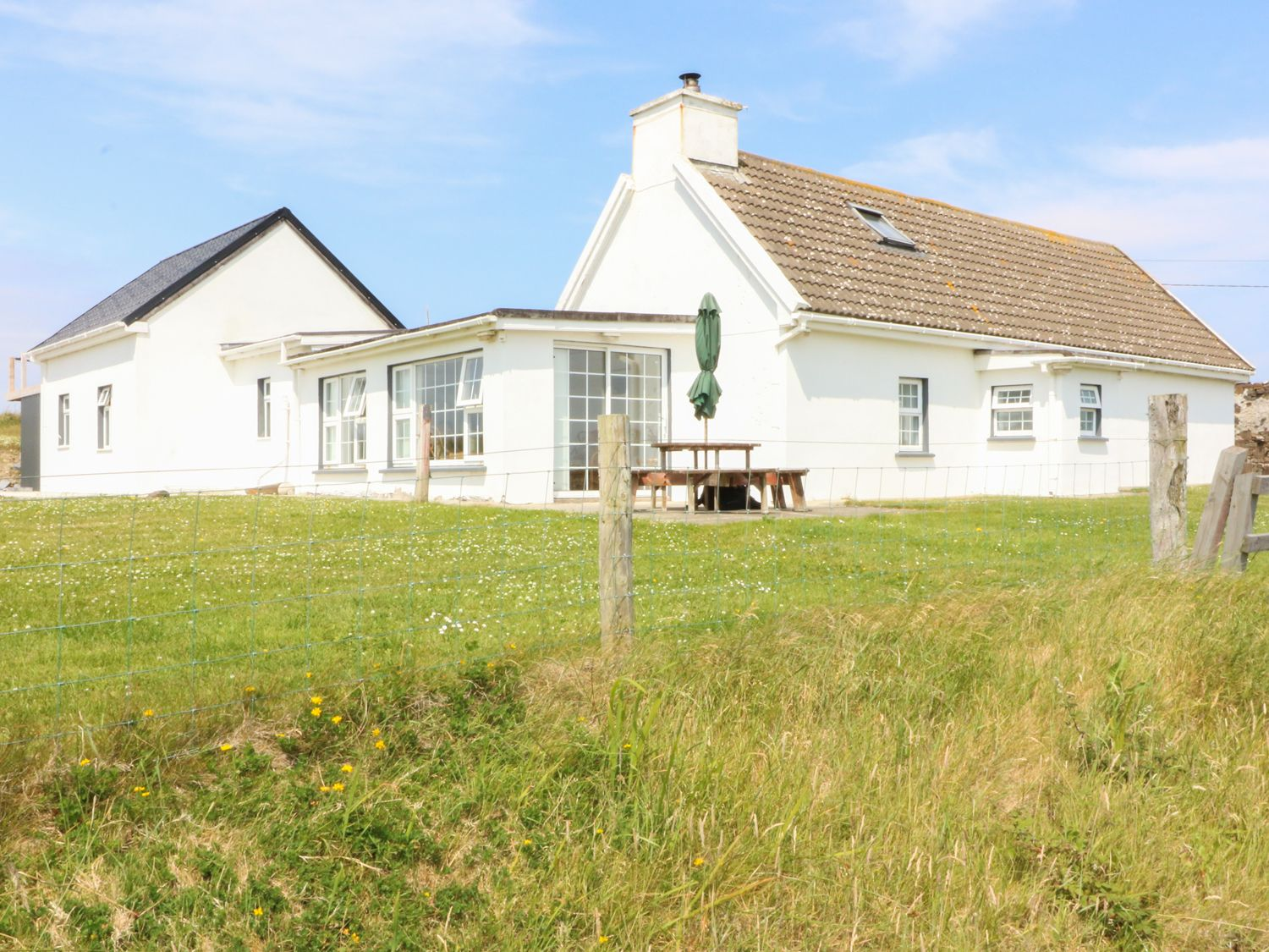 Ross Cottage - County Clare - 986497 - photo 1