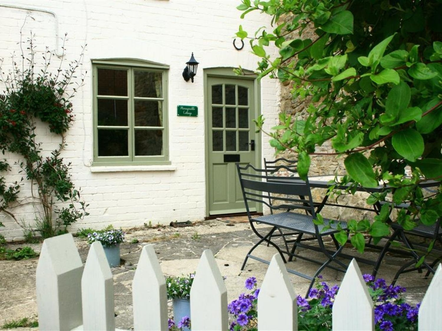 Honeysuckle Cottage - Cotswolds - 988707 - photo 1