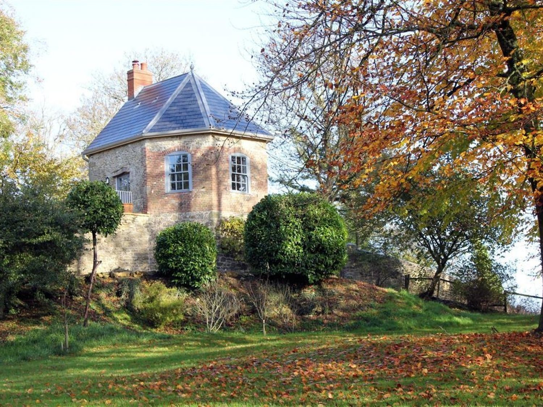 The Folly at Castlebridge - Somerset & Wiltshire - 988942 - photo 1