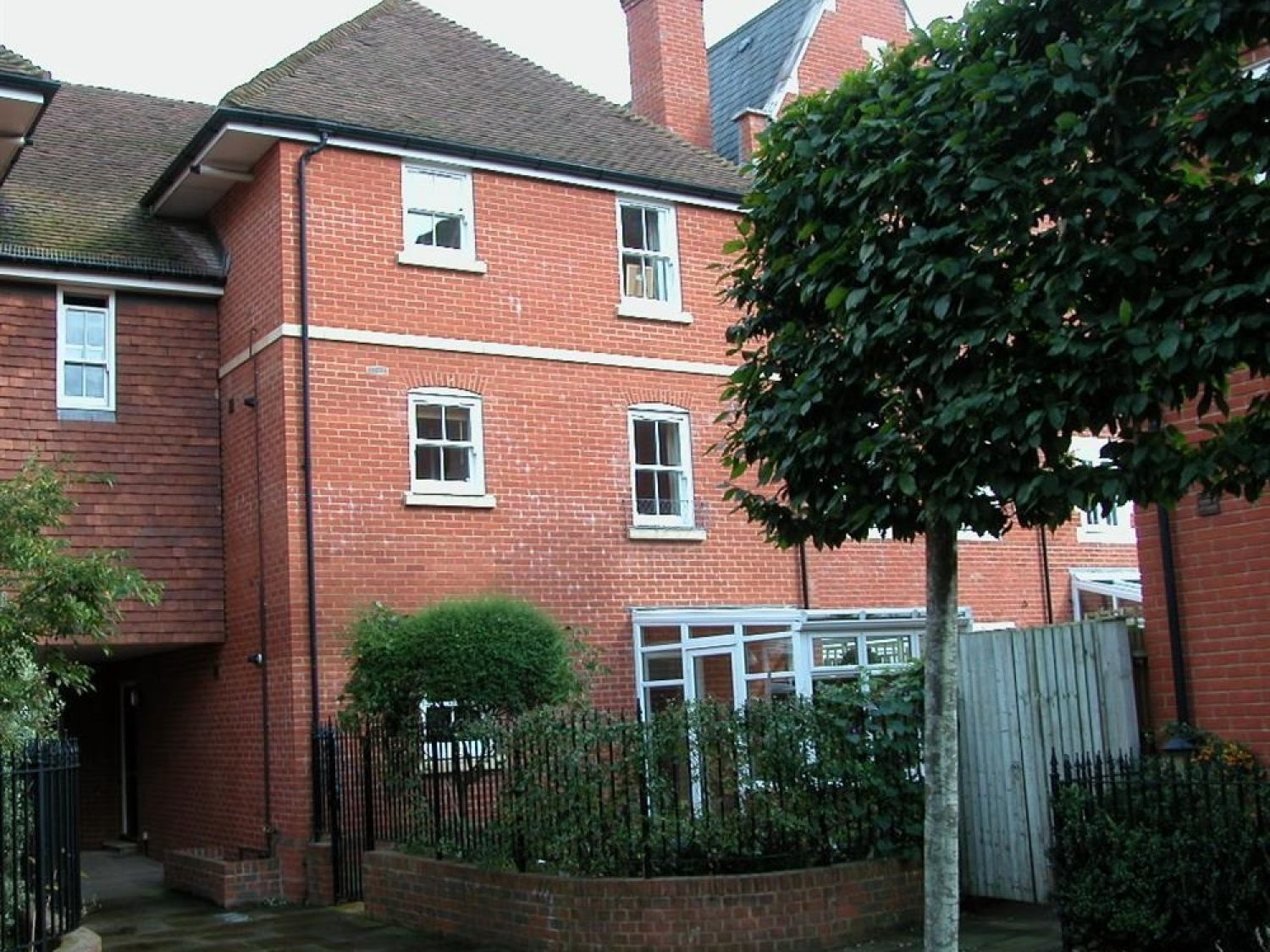 Charter Court - Somerset & Wiltshire - 988970 - photo 1