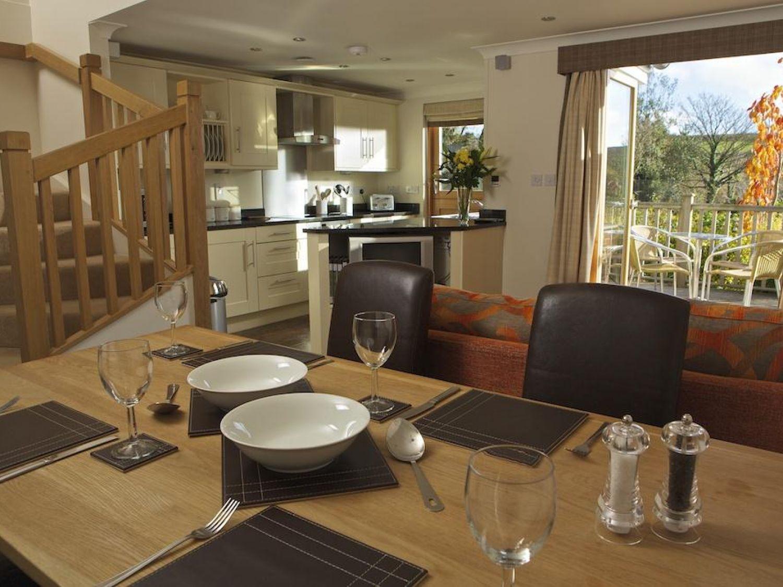 1 Court Cottage, Hillfield Village - Devon - 995349 - photo 1