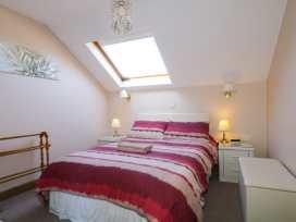 Boyles Town Centre Apartment - Lake District - 972566 - thumbnail photo 12