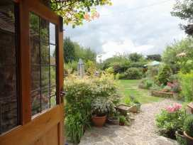 Quiet Corner Cottage - Somerset & Wiltshire - 975954 - thumbnail photo 2