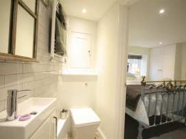 Mad Molly's Cottage - Cotswolds - 988596 - thumbnail photo 14