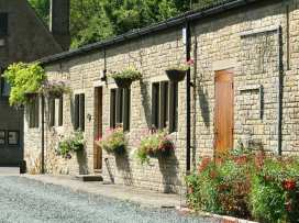 Lakeside Cottage - Cotswolds - 988603 - thumbnail photo 1