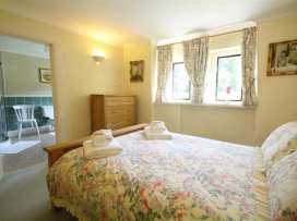 Lakeside Cottage - Cotswolds - 988603 - thumbnail photo 15