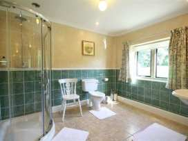 Lakeside Cottage - Cotswolds - 988603 - thumbnail photo 18