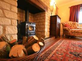 Lakeside Cottage - Cotswolds - 988603 - thumbnail photo 13