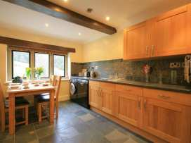 Lakeside Cottage - Cotswolds - 988603 - thumbnail photo 6