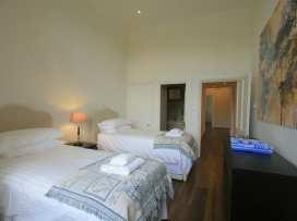 Flat 17 Sherborne House - Cotswolds - 988628 - thumbnail photo 21