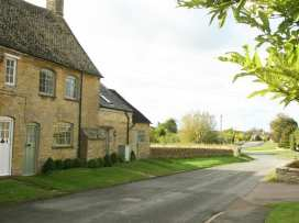 Maple Cottage - Cotswolds - 988656 - thumbnail photo 2