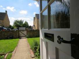 Noel Cottage - Cotswolds - 988689 - thumbnail photo 2