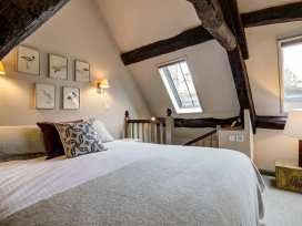 2 Lawrence Lane - Cotswolds - 988727 - thumbnail photo 16