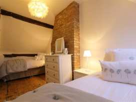 One, Masons' Court - Cotswolds - 988770 - thumbnail photo 19