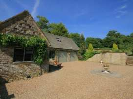 The Court Yard Cottage - Cotswolds - 988782 - thumbnail photo 1