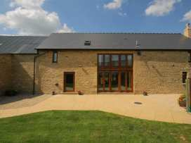 Tithe Barn, Lyneham - Cotswolds - 988828 - thumbnail photo 1
