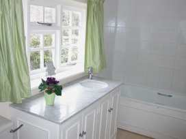 Winterbourne Cottage - Somerset & Wiltshire - 988908 - thumbnail photo 12