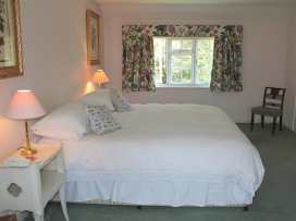 Winterbourne Cottage - Somerset & Wiltshire - 988908 - thumbnail photo 14