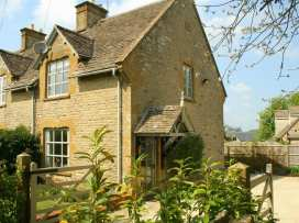 Honeysuckle Cottage - Cotswolds - 988991 - thumbnail photo 1
