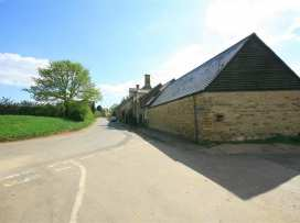 Henmarsh Cottage - Cotswolds - 988992 - thumbnail photo 14