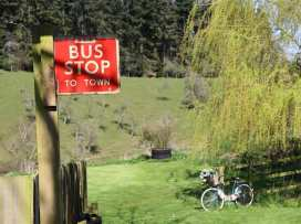The Red Bus! - Cotswolds - 990350 - thumbnail photo 3