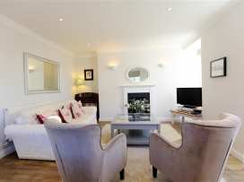 Circus House Apartment - Somerset & Wiltshire - 990365 - thumbnail photo 2