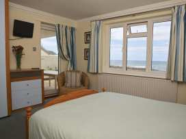 1 Thurlestone Rock - Devon - 994873 - thumbnail photo 10