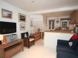 Blueboat Cottage - Devon - 995256 - thumbnail photo 2