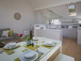 3 New Barn, Hillfield Village - Devon - 995442 - thumbnail photo 1