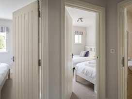 3 New Barn, Hillfield Village - Devon - 995442 - thumbnail photo 14