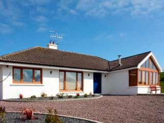 Lough Cluhir Cottage photo 1