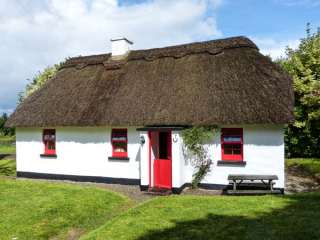 Photo of No. 7 Tipperary Thatched Cottages