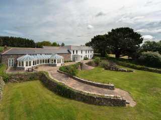 Tregoninny Vineyard and Woodland Farmhouse photo 1