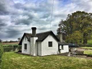 Lower Moor Lodge - 988731 - photo 1