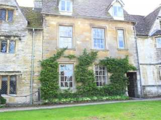 Burford House - 988810 - photo 1