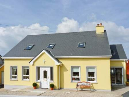 Amazing Cottages To Rent In Donegal Hogans Irish Cottages Download Free Architecture Designs Ferenbritishbridgeorg